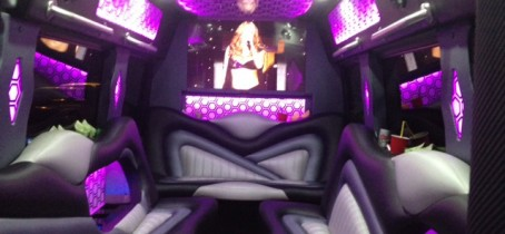 home-11-inside-luxury-bus