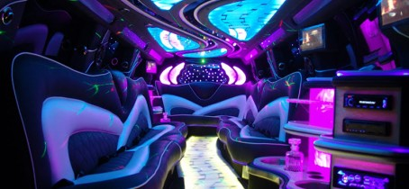 home-05-Interior-esclade-Limo